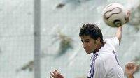 Marcose Tebara (vlevo) prodal Real Madrid za 100 eur.