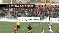 Lynč rozhodčího v Albánii