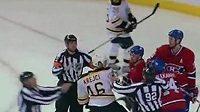 Hokejisté David Krejčí z Bostonu a Tomáš Plekanec z Montrealu se v NHL dostali do křížku.