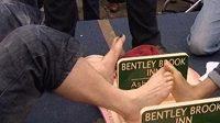 Šampionát v přetahování prsty u nohou