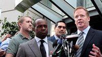 NFL komisař Roger Goodell oznamuje novinářům ukončení stávky