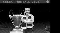 Skotský fotbalový celek Celtic Glasgow přišel během jediného týdne o druhou klubovou legendu. Pár dnů po bývalém kapitánovi Billym McNeillovi v pondělí zemřel jeho bývalý spoluhráč Stevie Chalmers.