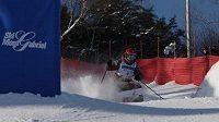 Česká lyžařka v boulích Nikola Sudová v Mont Gabriel