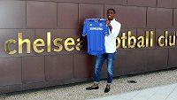 Samuel Eto´o s dresem Chelsea.