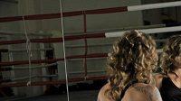Boxerka Arleta Krausová bez rukavic.