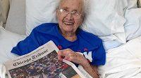 Američanka Mabel Ballová se dočkala triumfu Chicago Cubs.
