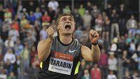 Dmitrij Tarabin poslal na domácím šampionátu soupeřům výzvu, 88,84 metru už dva roky nikdo nehodil.