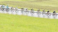 Cyklisté na trati druhé etapy závodu Kolem Švýcarska.
