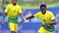 Samuel Eto'o (ve žlutém) odehrál na hřišti Petrohradu jeden ze svých posledních zápasů v dresu Anži Machačkala.