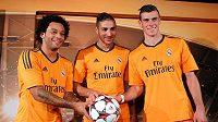 Marcelo, Benzema a Bale pózují v nových dresech pro letošní ročník Ligy mistrů.
