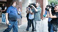Zraněný obránce Barcelony Carles Puyol se vrátí na trávník nejdříve začátkem prosince.