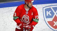 Útočník hokejistů Viťjaz Čechov Chris Simon