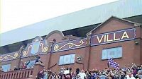 Fanoušci Aston Villy protestují proti příchodu McLeishe