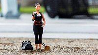 Dvojnásobná olympijská vítězka ve vrhu koulí Valerie Adamsová má vlastní Barbie.