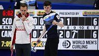 Curlingový zápas na MS 2021 mezi Kanadou a Skotskem.