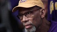 Legendární basketbalista Kareem Abdul-Jabbar trpěl rakovinou prostaty.