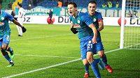 Milan Škoda oslavuje gól proti Besiktasi.