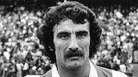 Bývalý španělský fotbalový reprezentant José Luis Capón zemřel po nákaze koronavirem.