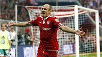 Arjen Robben oslavuje svůj gól za Bayern Mnichov.