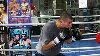 Český boxer David Hubinger při tréninku