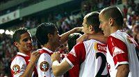 Fotbalisté Slavie nic jiného než výhru a závěrečnou radost po utkání s Baníkem nepřipouštějí.