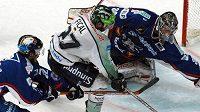 Hokejisté Mannheimu (v modrém) mají nového trenéra - ilustrační foto