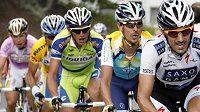 V příští sezóně už Roman Kreuziger (uprostřed v zeleném trikotu stáje Liquigas) pojede v modrém dresu Astany.