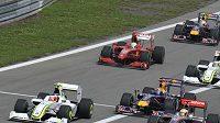 Pilot stáje Brawn GP Rubens Barrichello v čele VC Německa