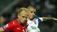 Slovák Vladimír Weiss (vpravo) v souboji s Davidem Jarolímem. Vrátí se také česko-slovenská liga?