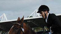 Moderní pětibojař David Svoboda během parkuru na mistrovství světa v Londýně