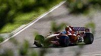 Felipe Massa usedl do monopostu z roku 2007
