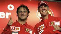 Michael Schumacher nahradí u Ferrari zraněného Massu (vlevo)