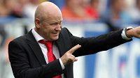 Trenér české fotbalové reprezentace Ivan Hašek gestikuluje v Teplicích v přátelském utkání proti Belgii