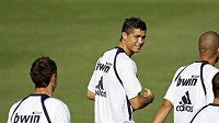 Cristiano Ronaldo (uprostřed) na tréninku Realu Madrid