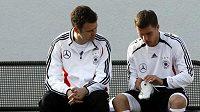 Manažer německé reprezentace Oliver Bierhoff (vlevo) s vycházející hvězdou Lukasem Podolskim.