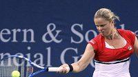 Kim Clijstersová v prvním utkání po dvouleté pauze porazila Francouzku Bartoliovou.