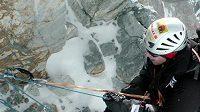 Zdeněk Hrubý v jihozápadní stěně Gasherbrumu I.