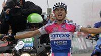Italský jezdec Damiano Cunego ze stáje Lampre NGC se raduje v cíli 8. etapy Vuelty.