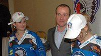 Plzeňští hokejisté vyjedou po 15 letech na led znovu s okřídleným šípem na prsou.