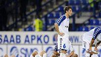 Zklamaní fotbalisté Slovanu Liberce po vyřazení z Evropské ligy