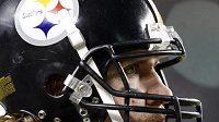 Zamyšlený rozehrávač Pittsburghu Steelers Ben Roethlisberger