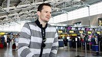 Hokejista Patrik Eliáš na letišti