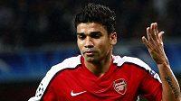 Útočník Arsenalu Eduardo slaví gól do sítě Celtiku.