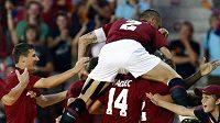 Radost fotbalistů Sparty z gólu proti Mariboru