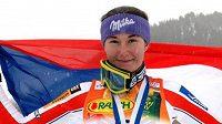 Šárka Záhrobská oslavuje triumf ve slalomu SP v Aspenu.