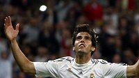 Fotbalista Realu Madrid Kaká oslavuje gól v utkání proti Marseille.