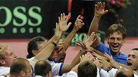 Radost českých tenistů po postupu do semifinále Davis Cupu - ilustrační foto.