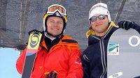 Skikrosař Tomáš Kraus (vlevo) a snowboardista Michal Novotný