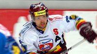 Hokejista Sparty Michal Broš během semifinále Tipsport Cupu proti ústí nad Labem