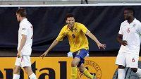 Švédský fotbalista do 21 let Marcus Berg oslavuje gól v semifinále ME proti Anglii.
